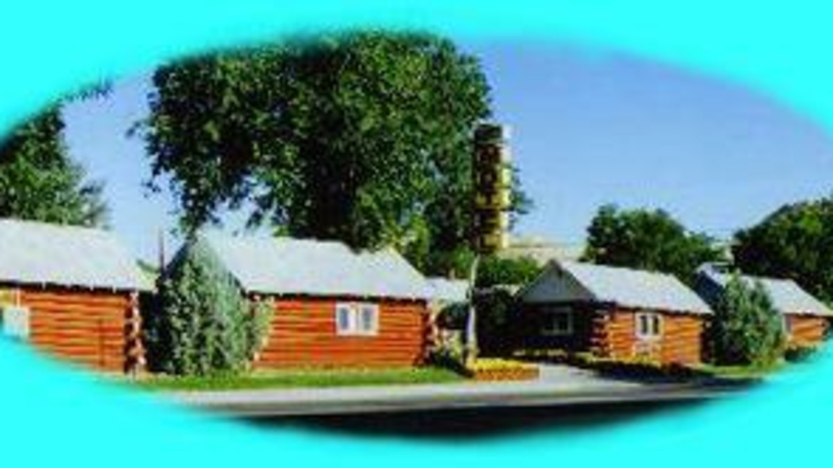Roundtop Mountain Motel and Cabins