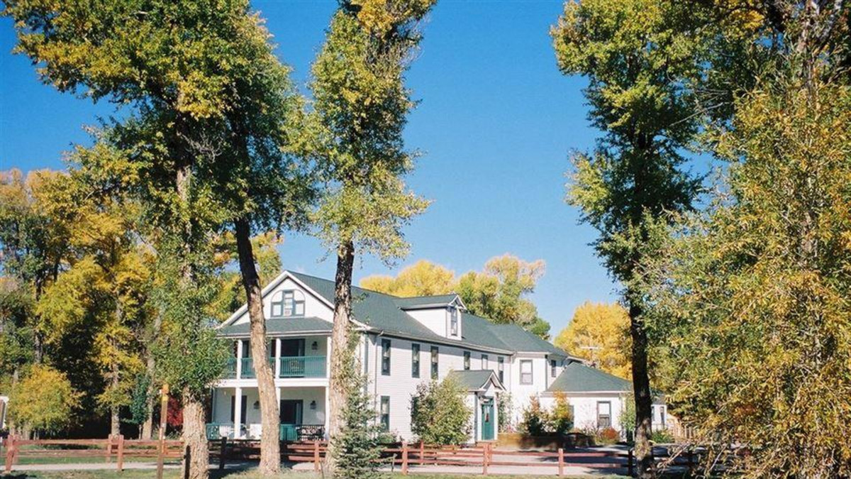 The Historic Elk Mountain Hotel & Restaurant