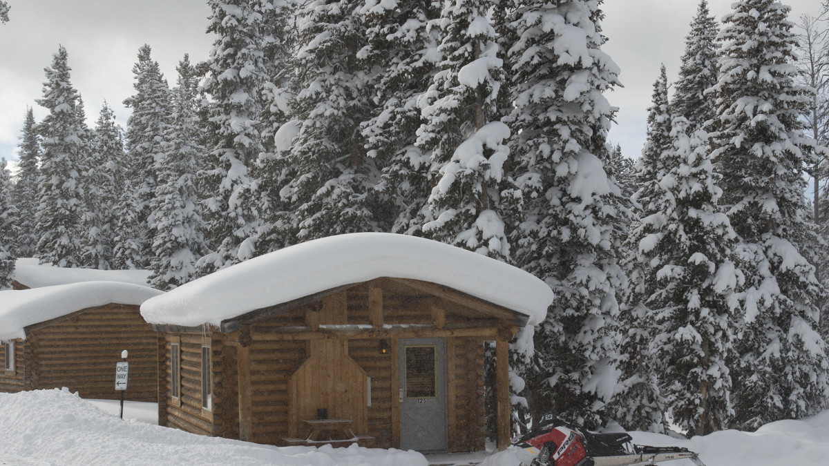 Togwotee Winter Cabin