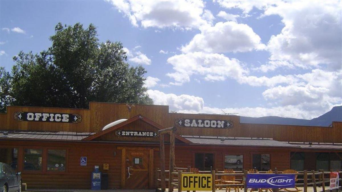 Yellowstone Valley Inn Amp Rv Park Cody Travel Wyoming