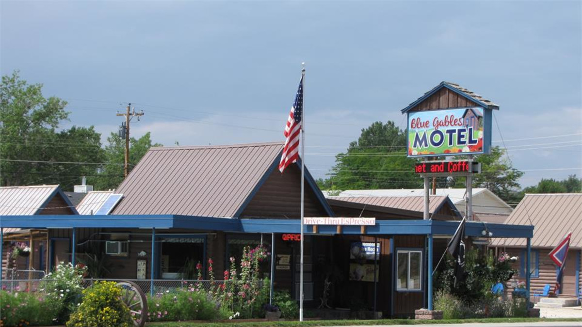 Blue Gables Motel and Coffee Shop