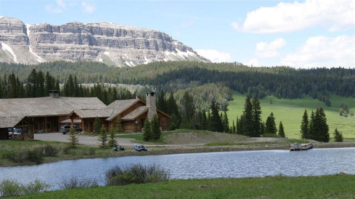 Brooks Lake Lodge