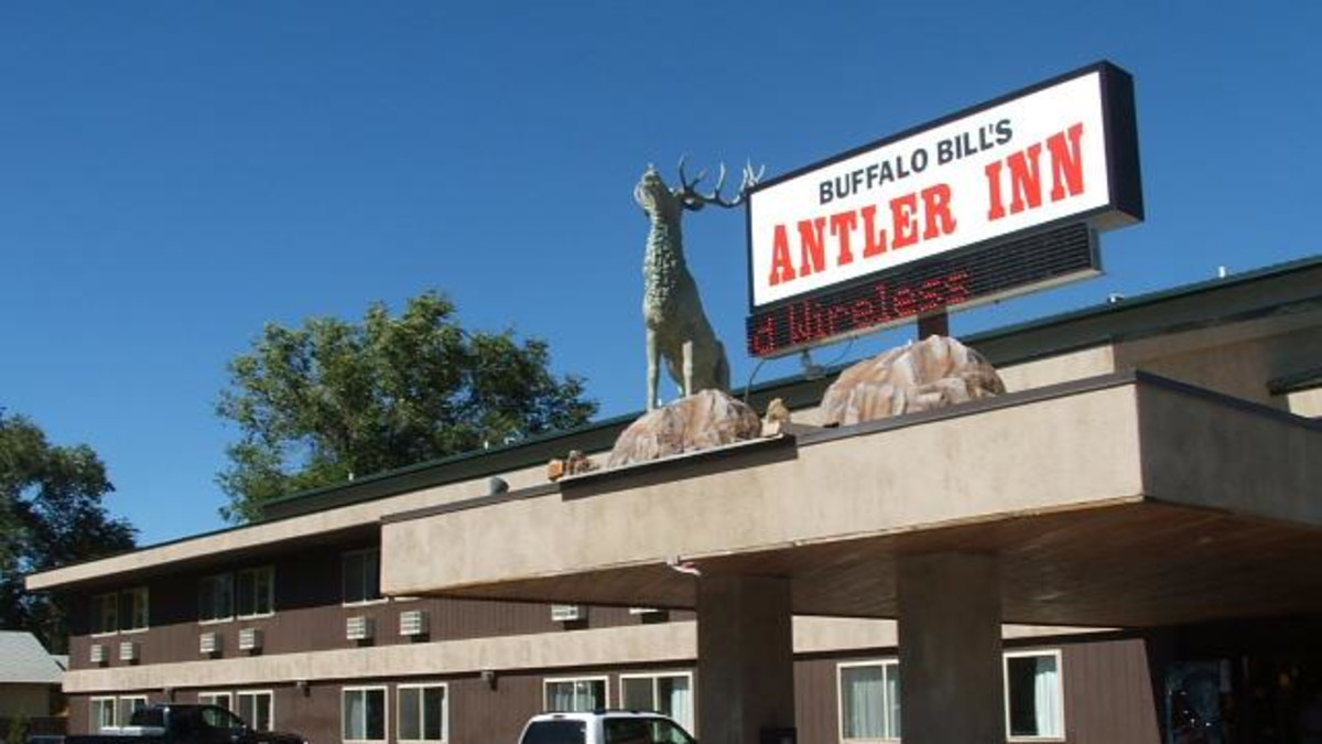 Buffalo Bill S Antler Inn Cody Travel Wyoming That S Wy