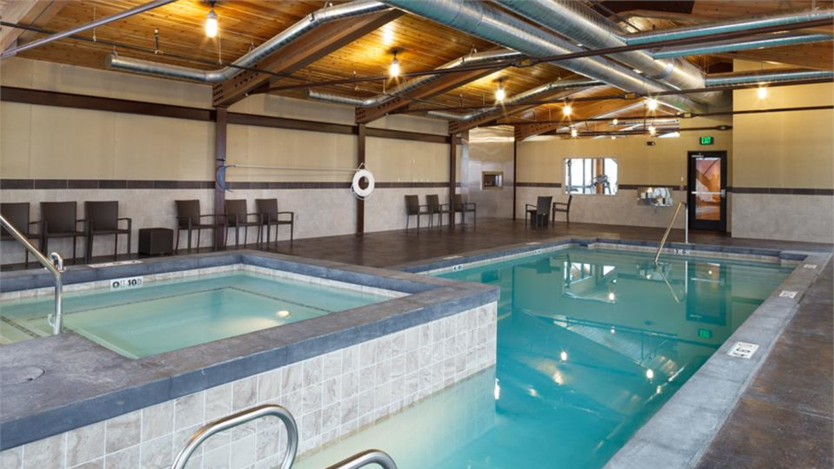 Swimming Pool and Hot Tub at the 49er Inn and Suites