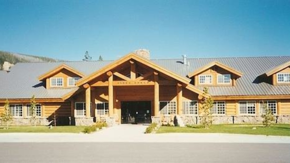 Flagg Ranch Resort