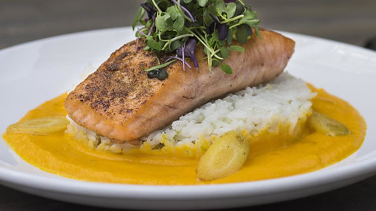 Cumin seared salmon with ginger/carrot sauce