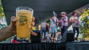 Fresh brews and tunes at Brewfest, photo by kyle duba.jpg