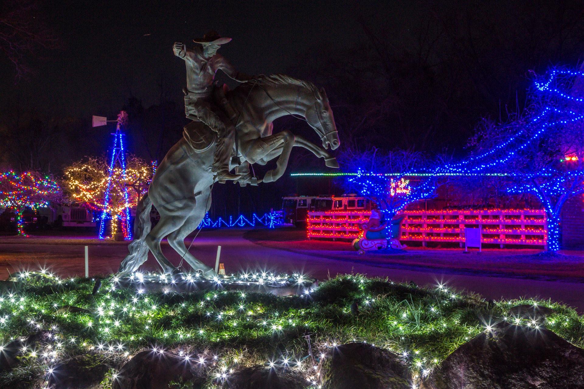 Drive Thru Christmas Lights.Drive Thru Christmas Lights Official Georgia Tourism