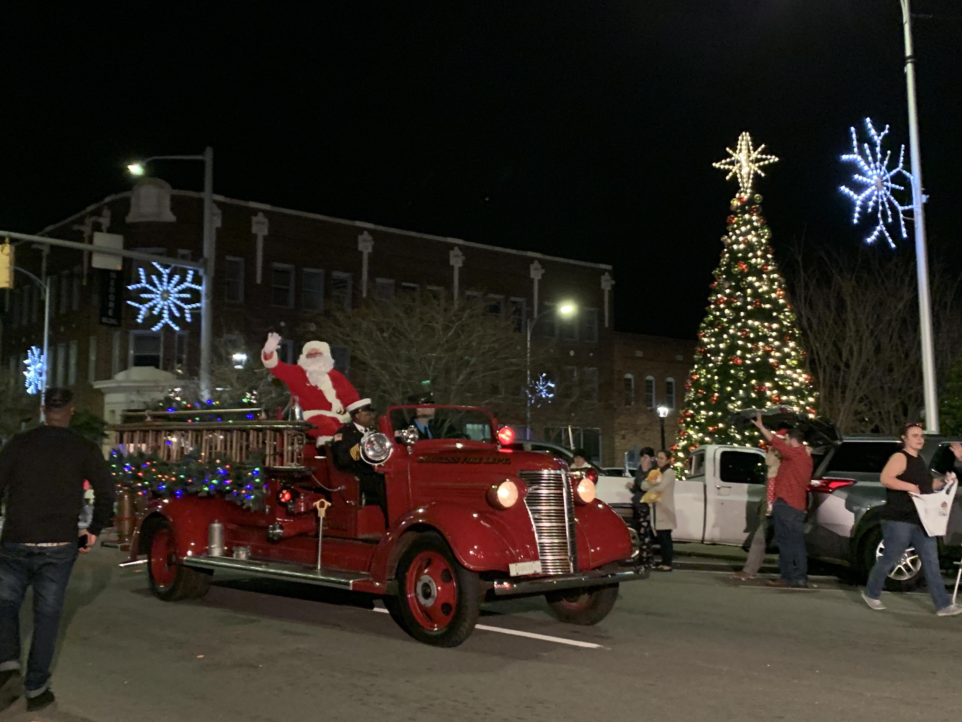 Annual Festival Of Lights Christmas Parade Official Georgia Tourism Travel Website Explore Georgia Org