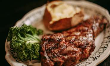 Cattlemans Steakhouse 4.jpg