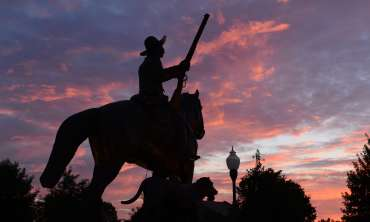 Bass_Reeves_Statue_Fort_Smith_0672012_4184.JPG