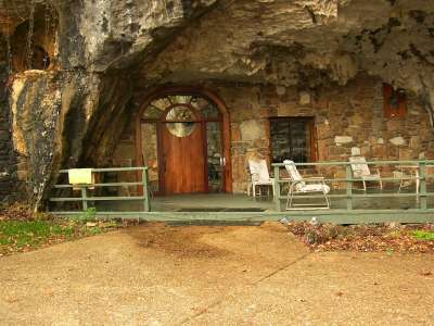 Beckham_Creek_Cave_Pathenon_1711.JPG