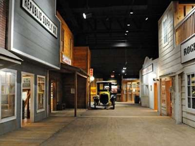 Arkansas_Museum_Natural_Resources_Smackover_2014_zc - 02.jpg