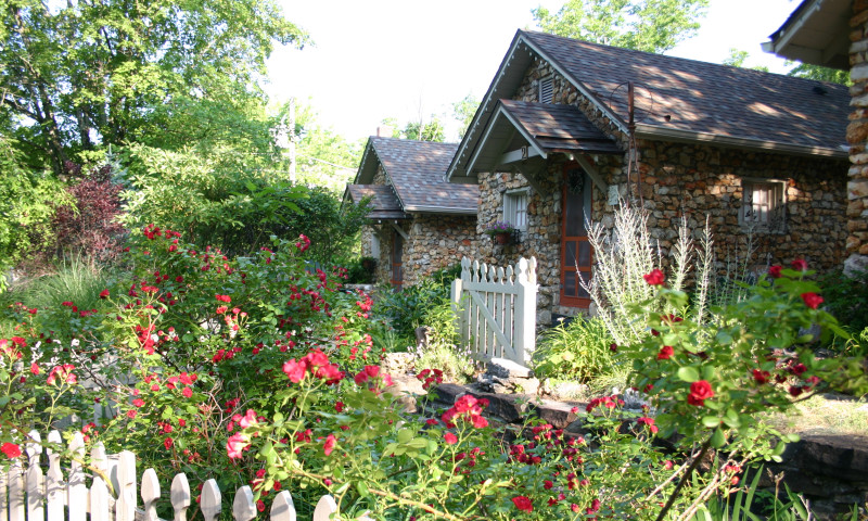 Rock Cottage Gardens Bed Breakfast Inn Wedding Chapel
