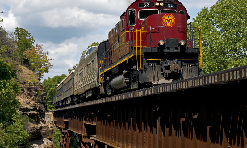 Arkansas_Missouri_Railroad_Van_Buren_ACH_081412_7865_crop.jpg