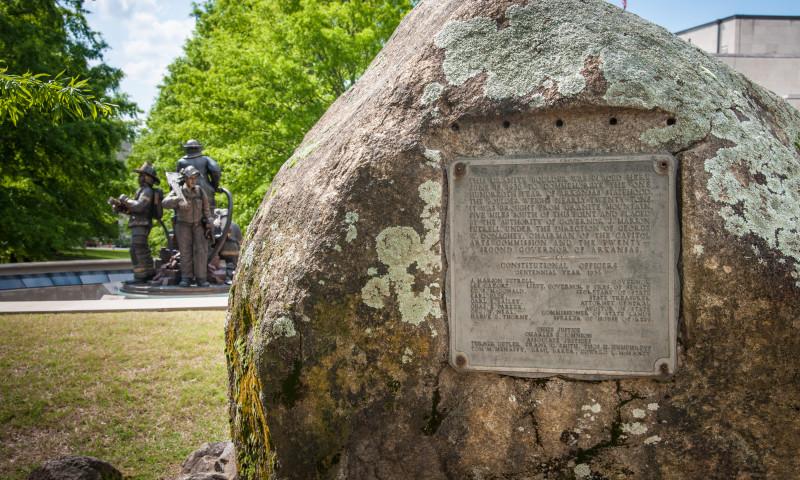 Arkansas State Capitol Grounds Monuments Arkansas Com
