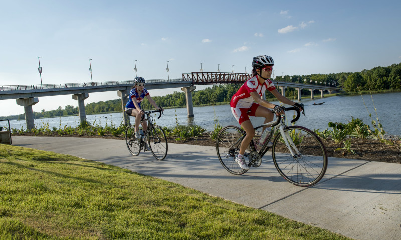 Cycling_Two_Rivers_Bridge_08712_8585-min.jpg