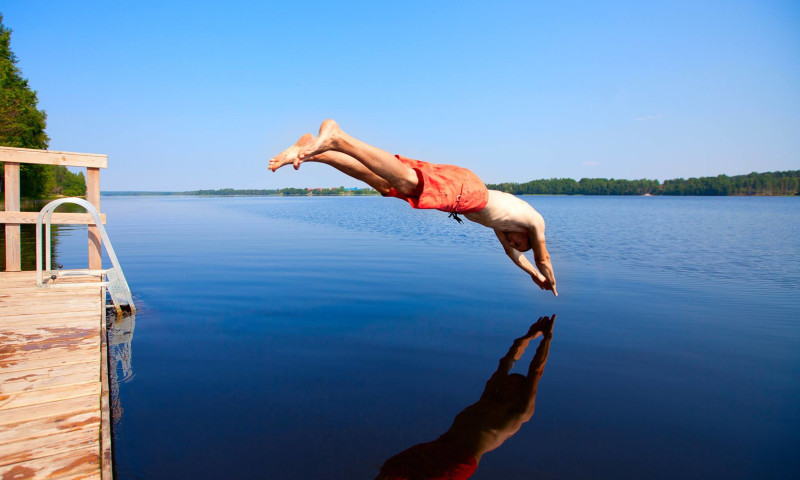 Diving into Lake Norfork.jpg