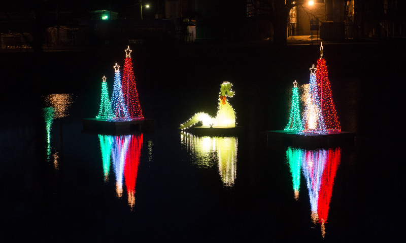 Newport_Holiday_Lights_122016_CHC_7604.jpg