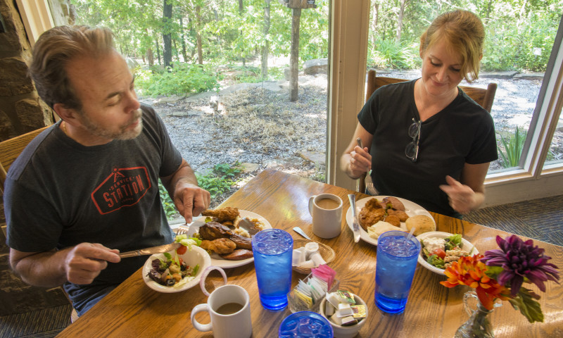 Ozark_Folk_Center_Skillet_Restaurant_062016_CHC_4917.jpg
