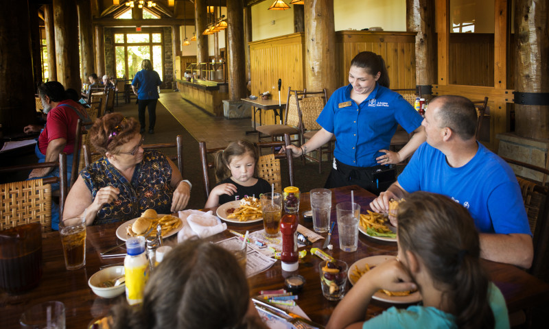Petit_Jean_Restaurant_desk_20160629_KSJ_9603ps.jpg