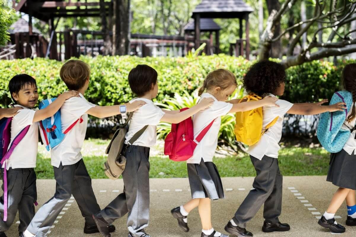 kindergarten-students-walking-together-in-school