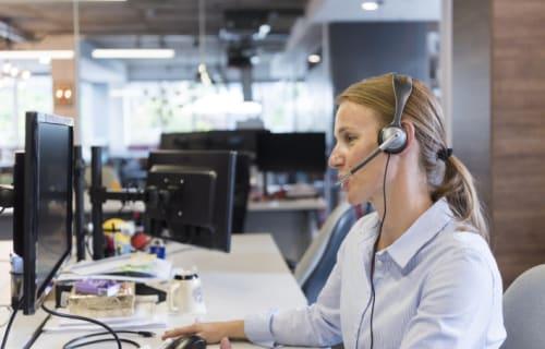 female customer support