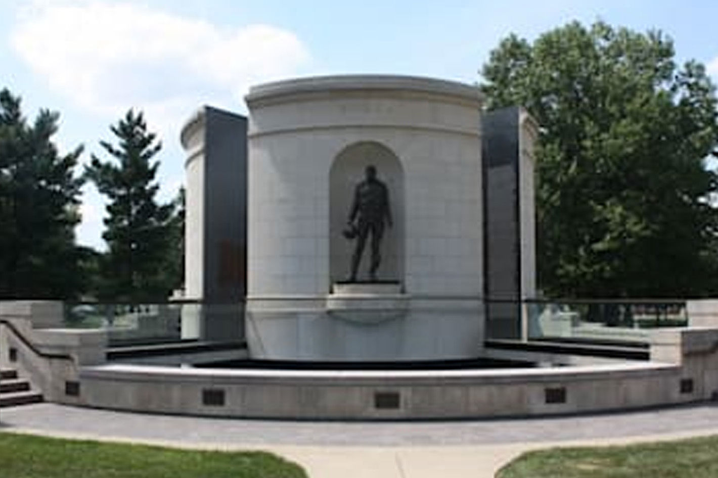 West Virginia Veterans Memorial - Photo