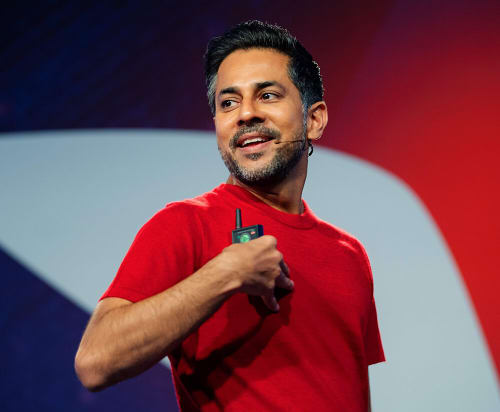 Vishen Lakhiani on Stage