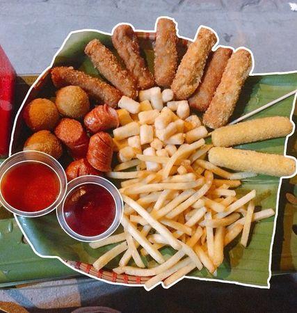 (Nguồn: foody.vn) Đi ăn ở chợ đêm
