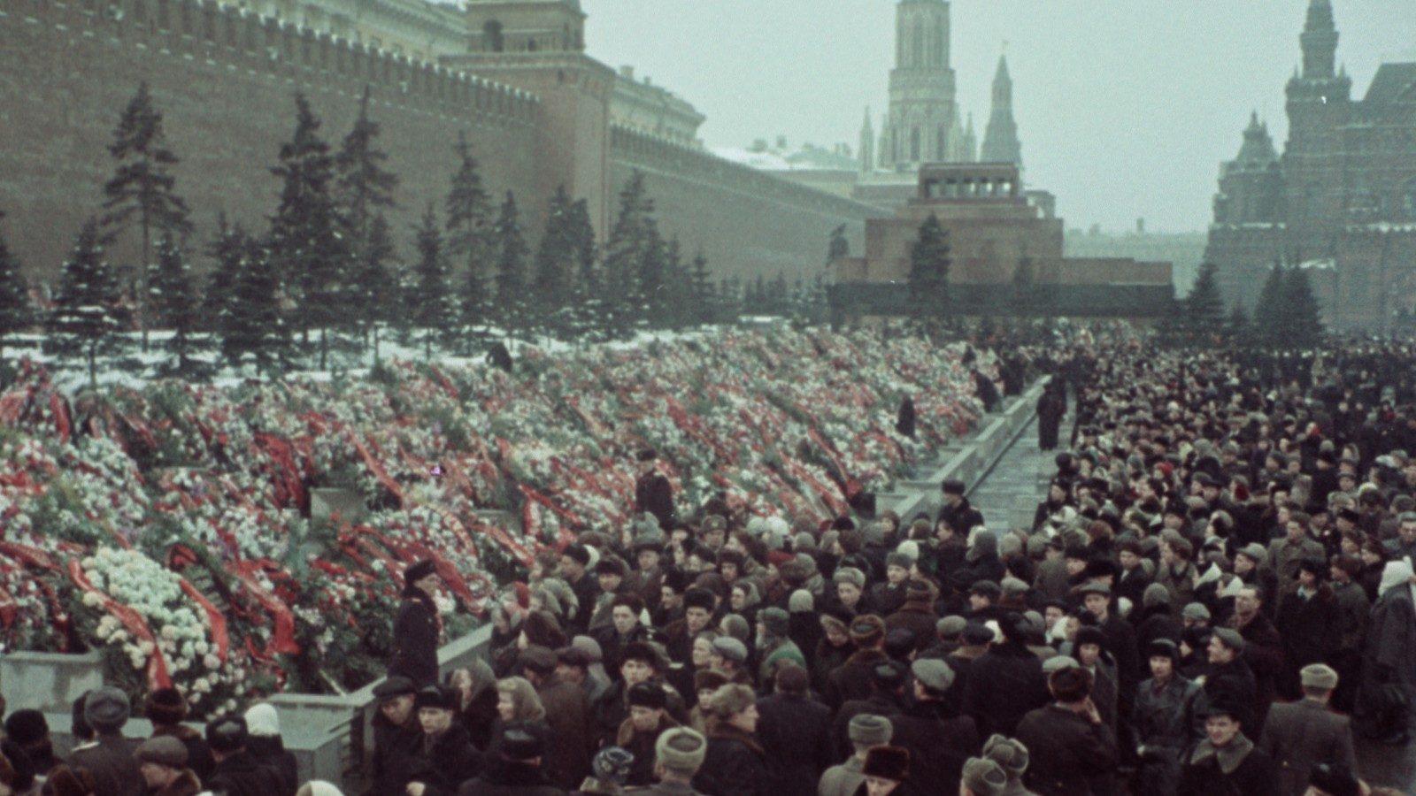 State Funeral, de Sergei Loznitsa
