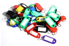 מחזיק מפתחות פלסטיק - 50 יחידות