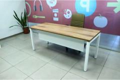 שולחן משרדי רוחב 180 ס``מ  Moto Ps כולל הרחבה צבע חום סינר לבן