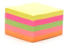 מזכריות בצבעים זוהרים-75X75 מ``מ 500 דף בקוביה