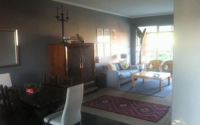 PVT ROOM TO LET IN 2nd FLOOR APARTMENT