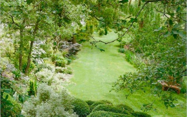 World Famous Garden - Colonial