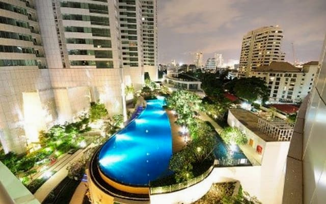 Guestroom for rent on 31st fl., with views, 50m pool, gym, single bed