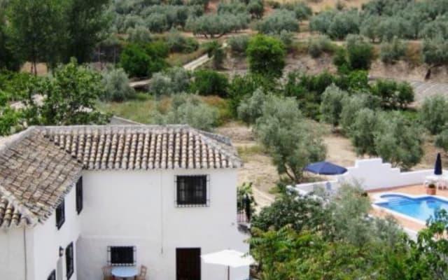Casa Cruz 2 case nella rilassata campagna andalusa