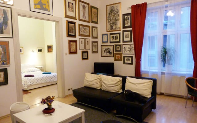 Art & Cosy down town apartment