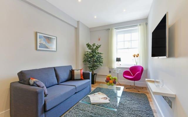 Regent's Park ******** Bedroom Executive Apartment