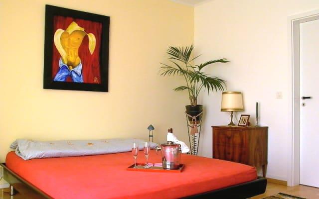Studio suite com 2 quartos e banheiro privativo e café da manhã.