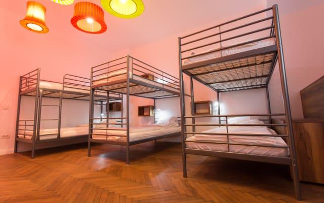 8 dormitório dormitório no primeiro Hostel Bucareste