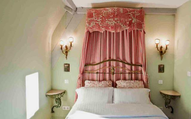 Les Suites Sarladaises in the center of Old Sarlat, Le Caladrius...