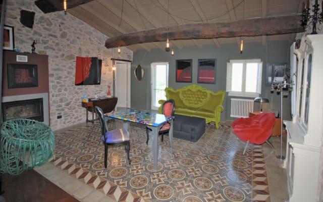 CASTE' REFUGE.  Enchanting design suite in a relaxing rural contest