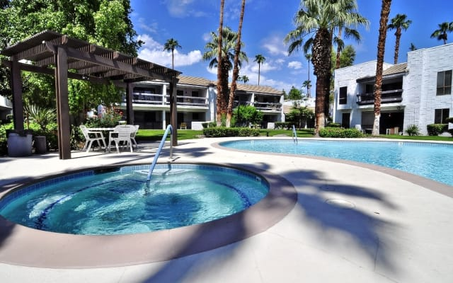 Palm Springs Dream! Remodeled 2bed/2bath Condo