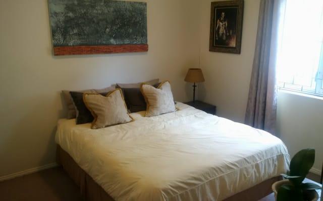 Chambre spacieuse et confortable avec installations privées