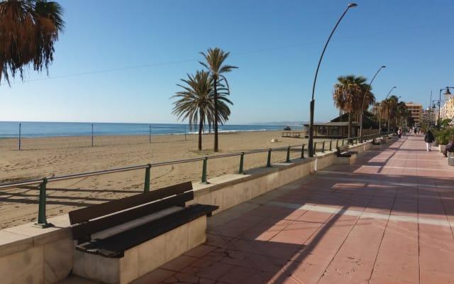 Apartment front line beach Estepona Center Estepona, Spanje