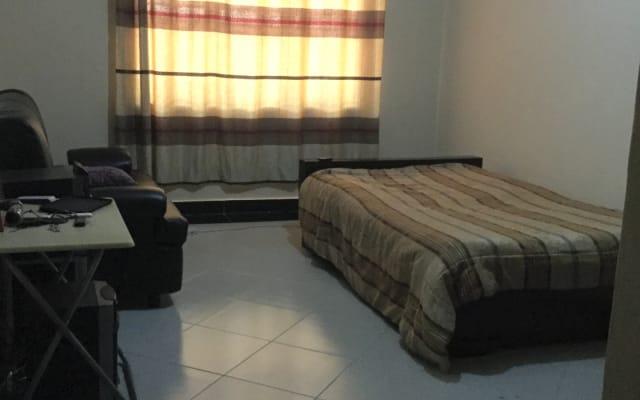 Privatzimmer in einer Wohnung