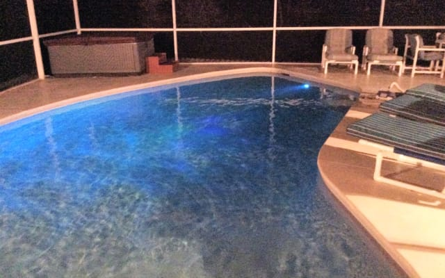 5 Minutes to The Magic 3/2, Pool, Hot Tub, Games