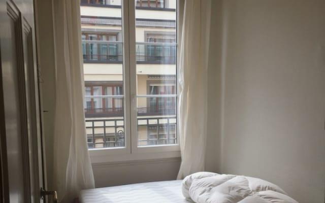 pequeña habitación doble en precioso piso central en alquiler